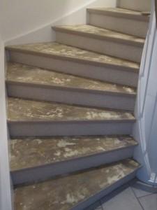 vloerbedekking van de trap verwijderen